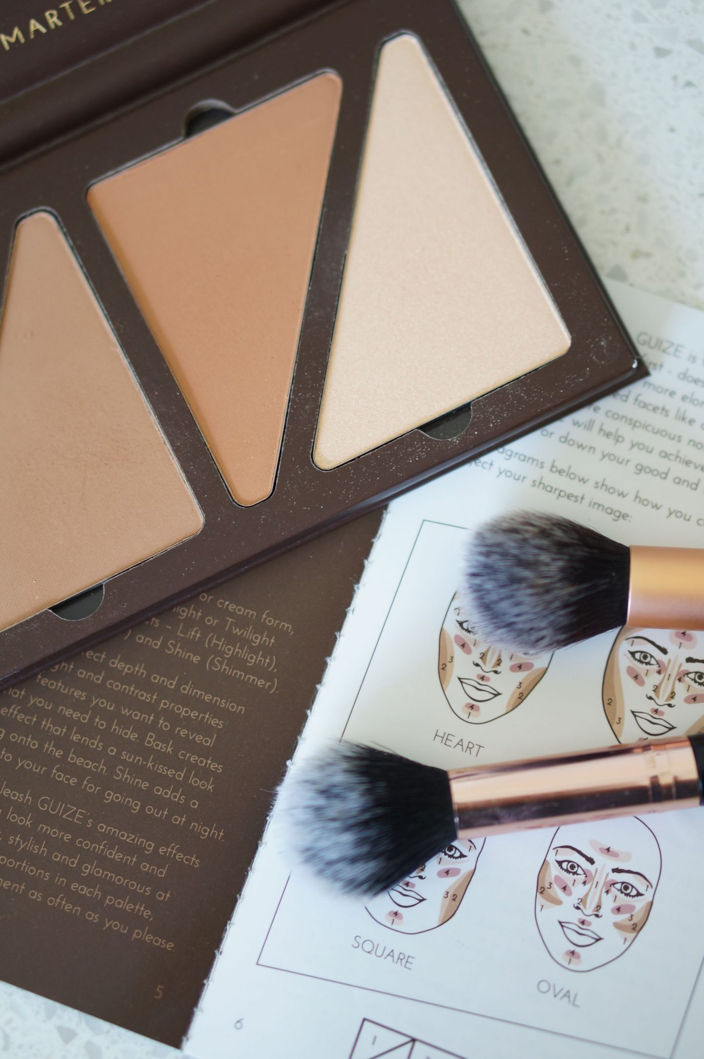 If you have ever wondered how to contour, this is the palette for you! The Guize Face Fx Contour Collection is fool proof and comes with a guide!