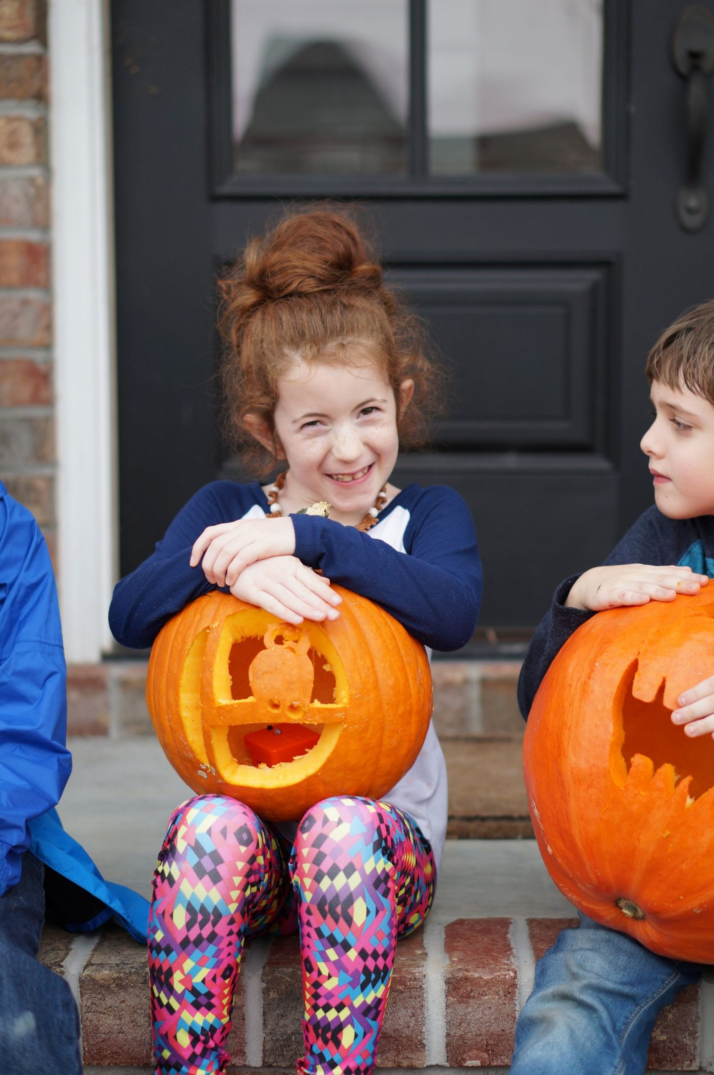 Popular North Carolina blogger Rebecca Lately shares the jack o lanters from her pumpkin carving party. For pumpkin carving inspo, check it out!