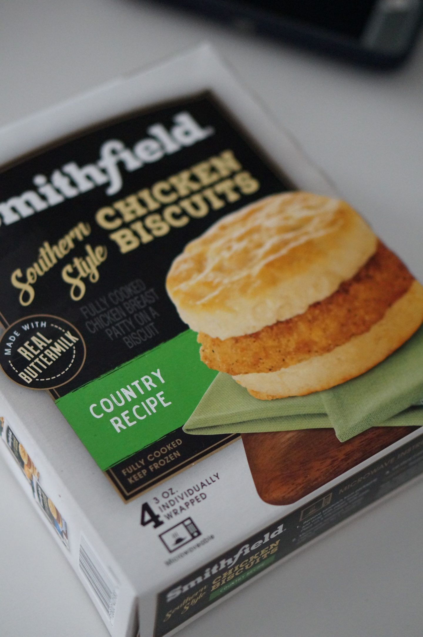North Carolina blogger Rebecca Lately shares her three tips for keepin the morning running smooth, which includes the NEW Smithfield® Breakfast Sandwiches!