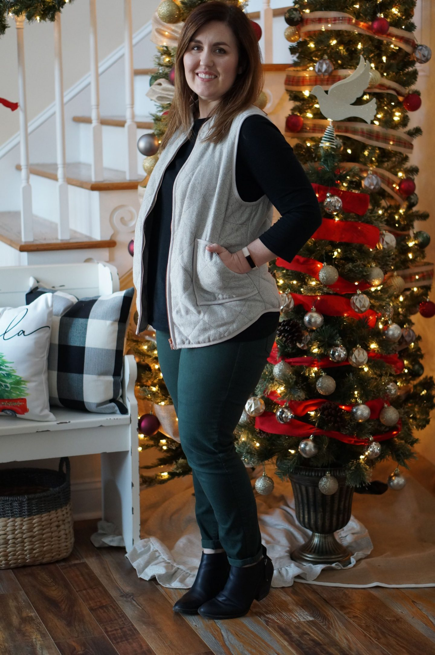 North Carolina blogger Rebecca Lately shares how to style green jeans.  Paired with classic pieces from your closet, these will be a staple this season!