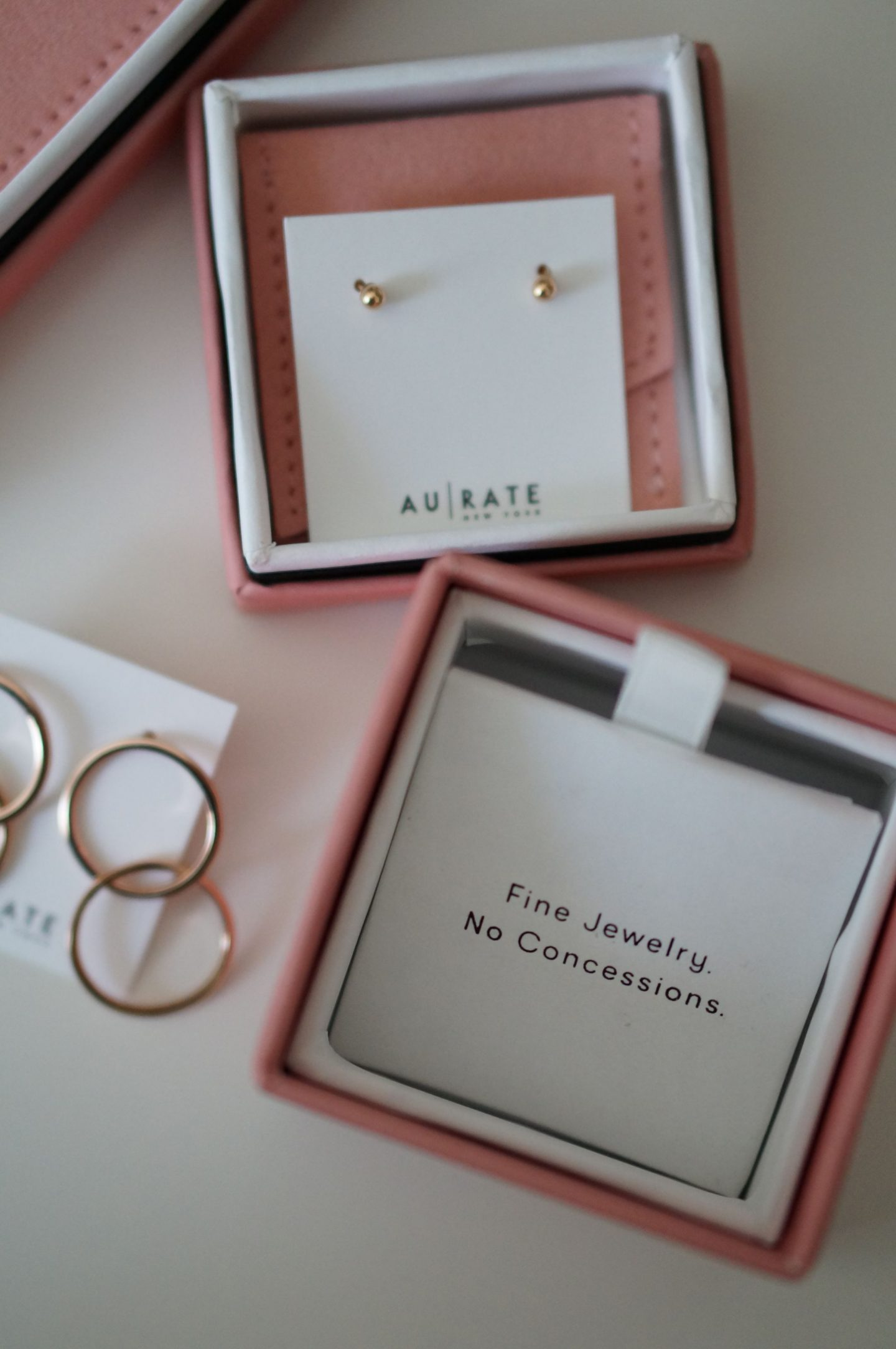 North Carolina style blogger Rebecca Lately shares her favorite workwear outfit with AUrate New York jewelry. These new rose gold pieces go with everything!