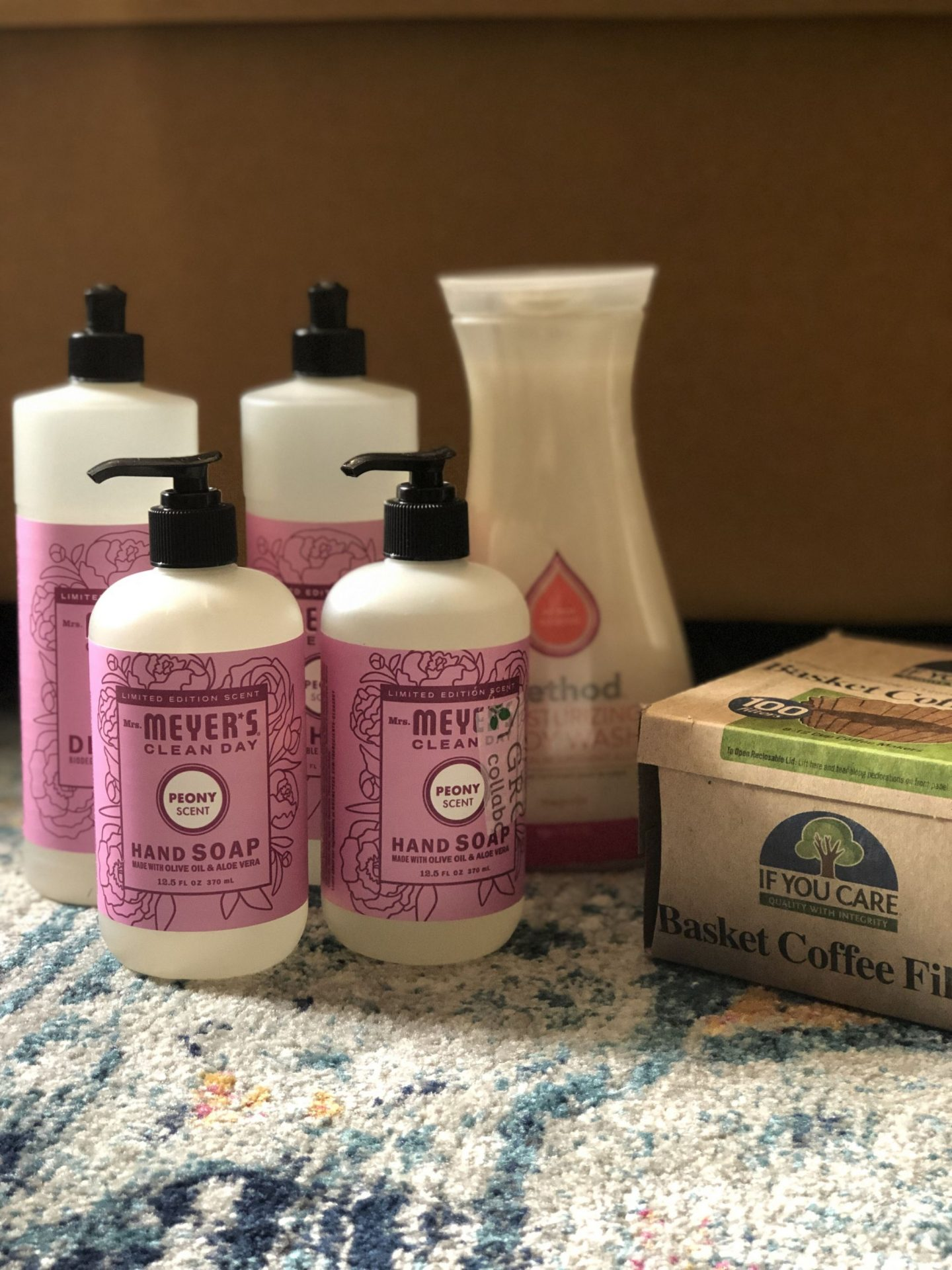 North Carolina blogger Rebecca Lately shares her Grove Collaborative April 2019 order. Check out her favorite scent from the Mrs. Meyer's spring line!