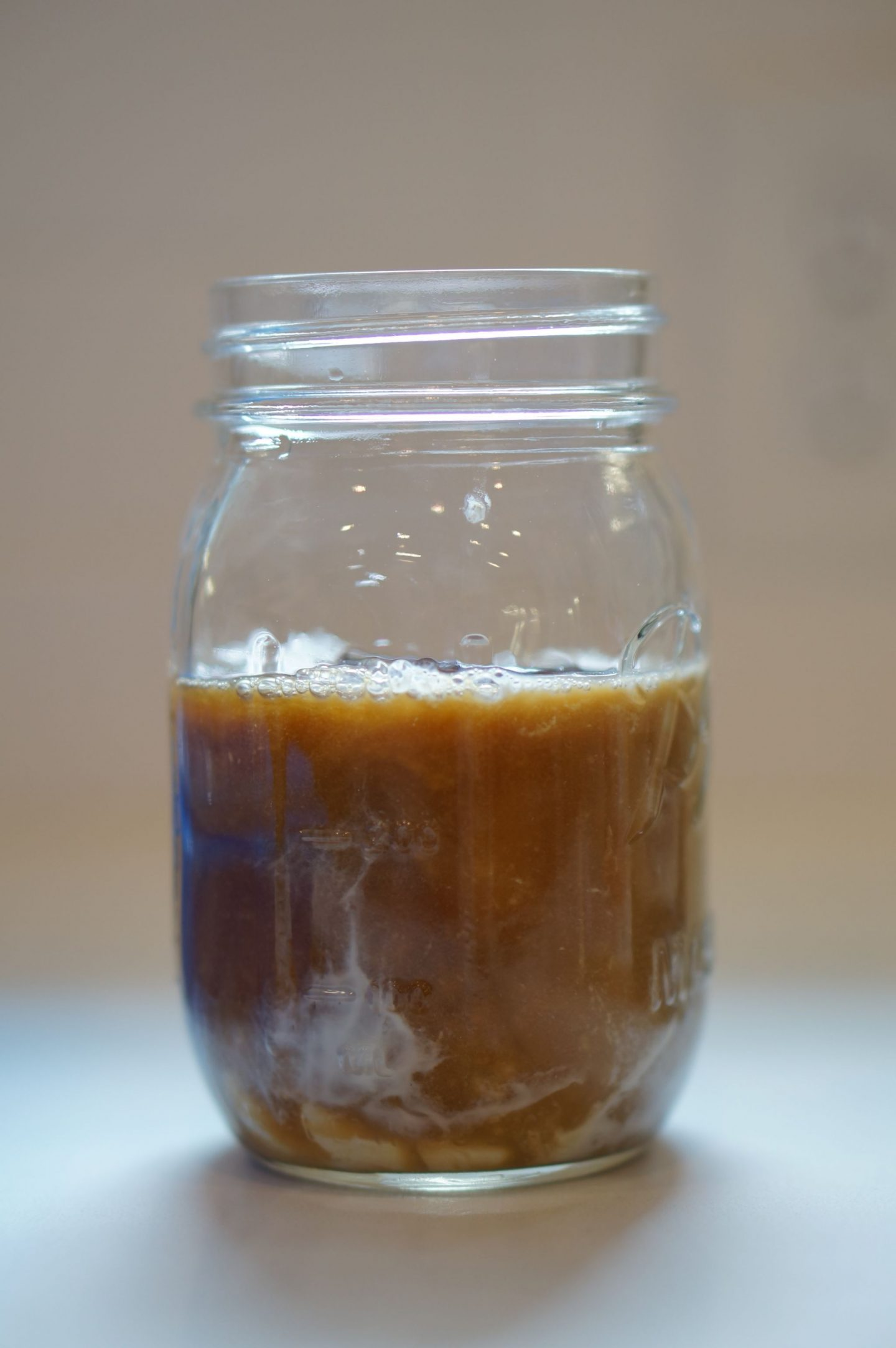North Carolina blogger Rebecca Lately is sharing her favorite way to mix up a Chameleon Cold Brew coffee at home, perfect for a hot summer afternoon!