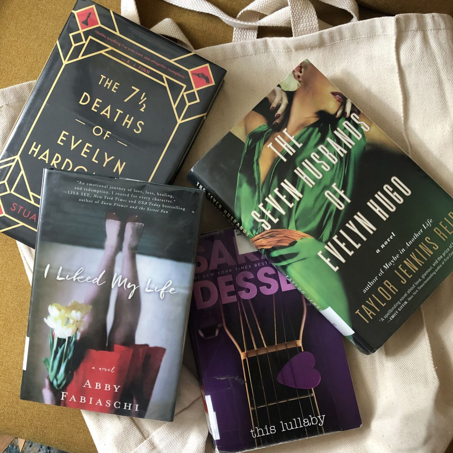 NC blogger Rebecca Lately shares her summer reads.  There's also a little library haul as well! If you're looking for a variety of books, check this out!