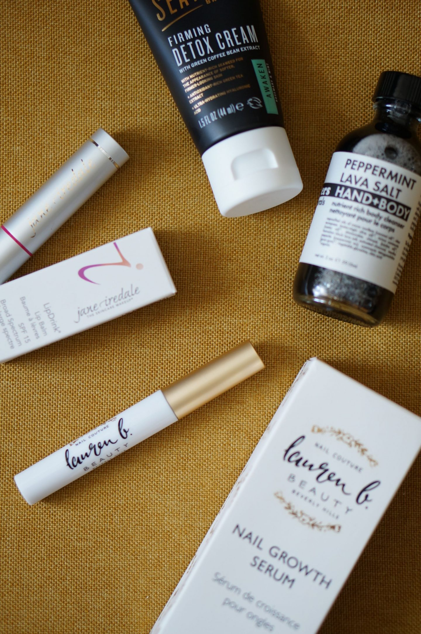 NC blogger Rebecca Lately shares her Petit Vour September 2019. This natural, organic, vegan and cruelty free beauty box packs in a lot of value this month!