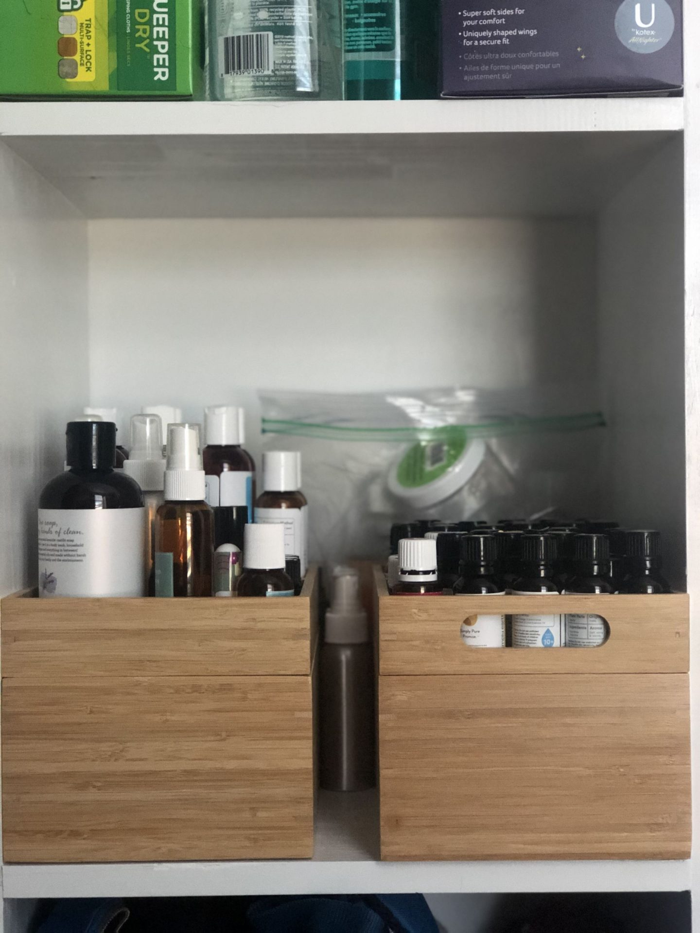 Popular NC blogger Rebecca Lately shares her essential oil organization. She has an extensive collection of oils and supplies. Check out her solution!