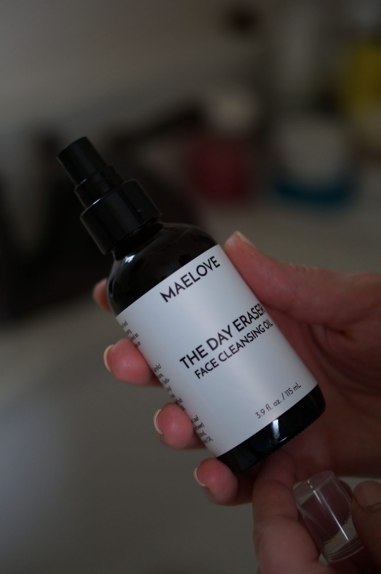 Rebecca Lately shares her night time skincare routine and Maelove Skincare review of the Fade Scar-Spots Kit. This brand is affordable and effective!