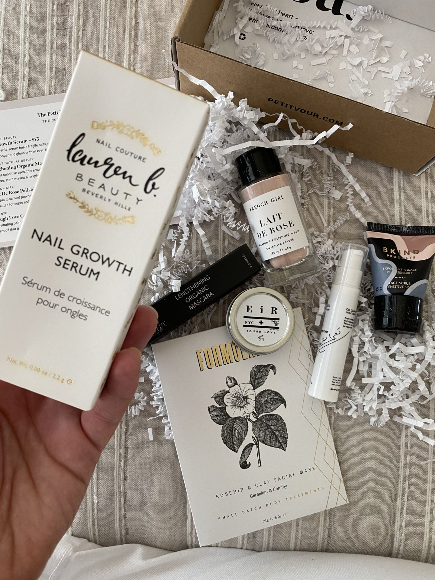NC blogger Rebecca Lately shares her Petit Vour Plus May 2020 box. If you've ever wondered what's in the Petit Vour Plus box, check it out!
