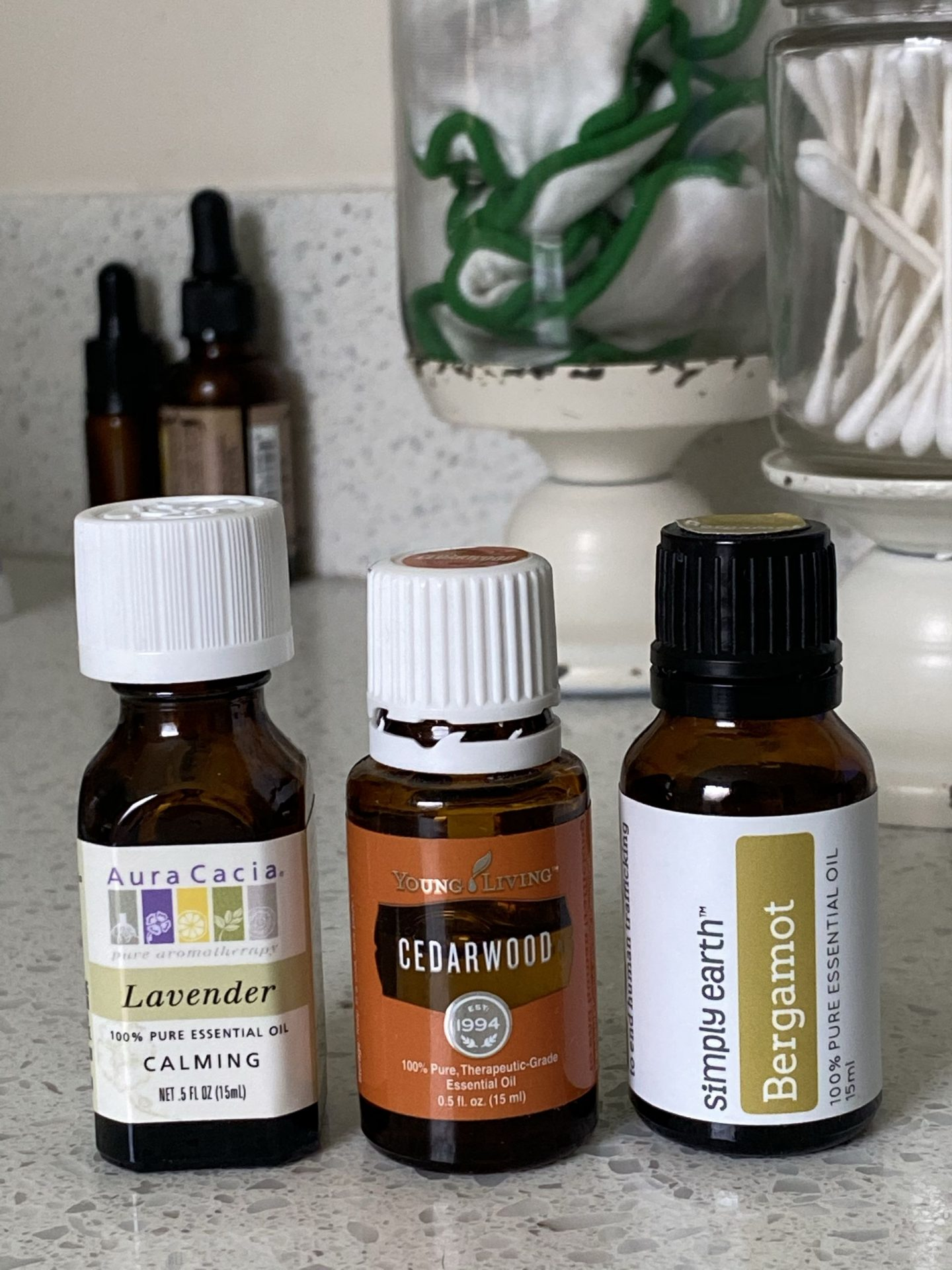 NC blogger Rebecca Lately is sharing her favorite fall essential oil blends to use in your essential oil diffuser!