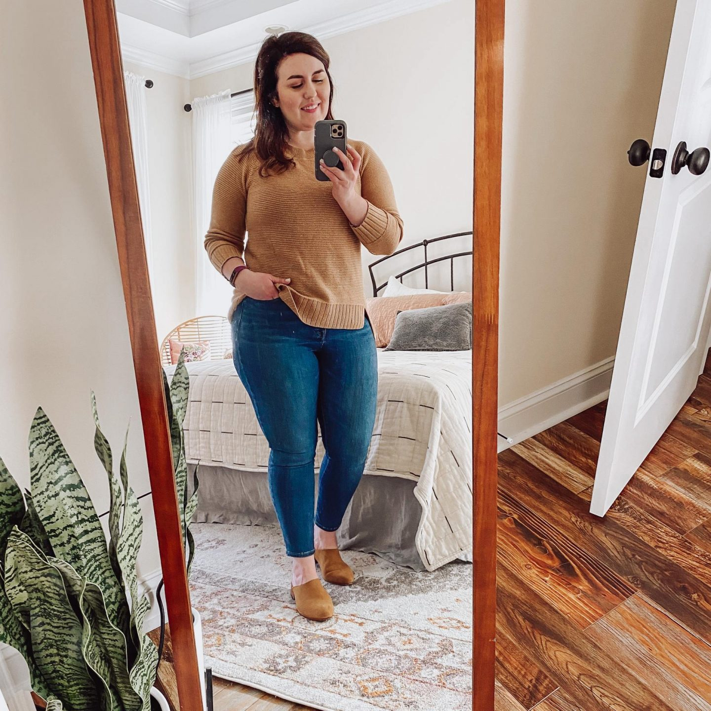 NC blogger Rebecca Lately is sharing her end of winter outfits. Check it out for transitional outfit inspiration as we head into spring!