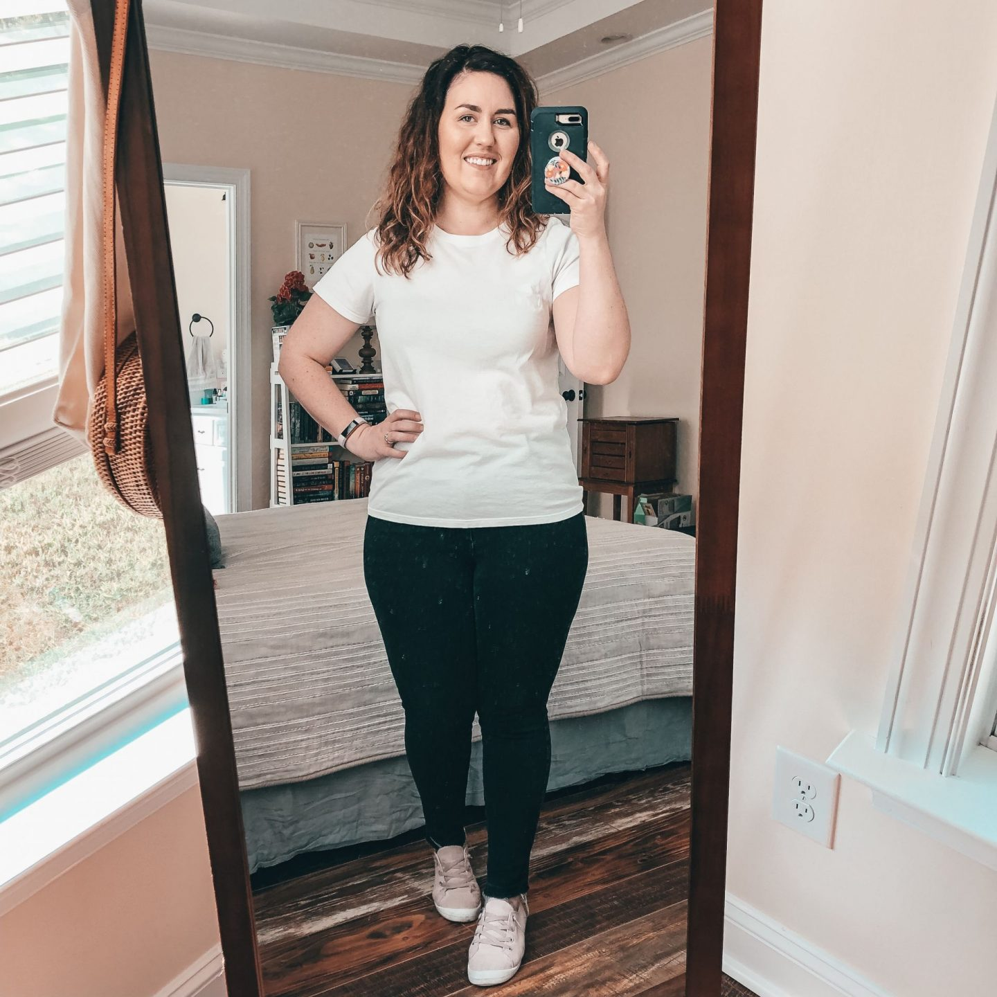 NC blogger Rebecca Lately is sharing a round up of white tee shirt reviews.  If you are petite and curvy, you'll want to check this out!