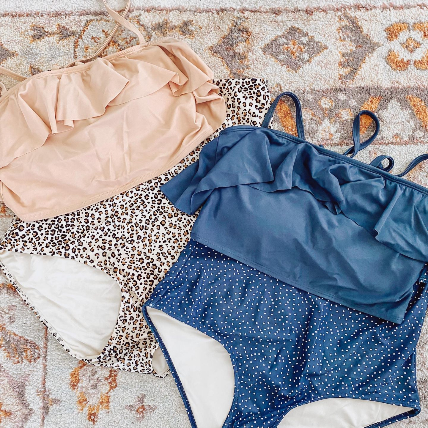 NC blogger Rebecca Lately shares her method of packing for the beach. If you love to pack minimally, check this out!