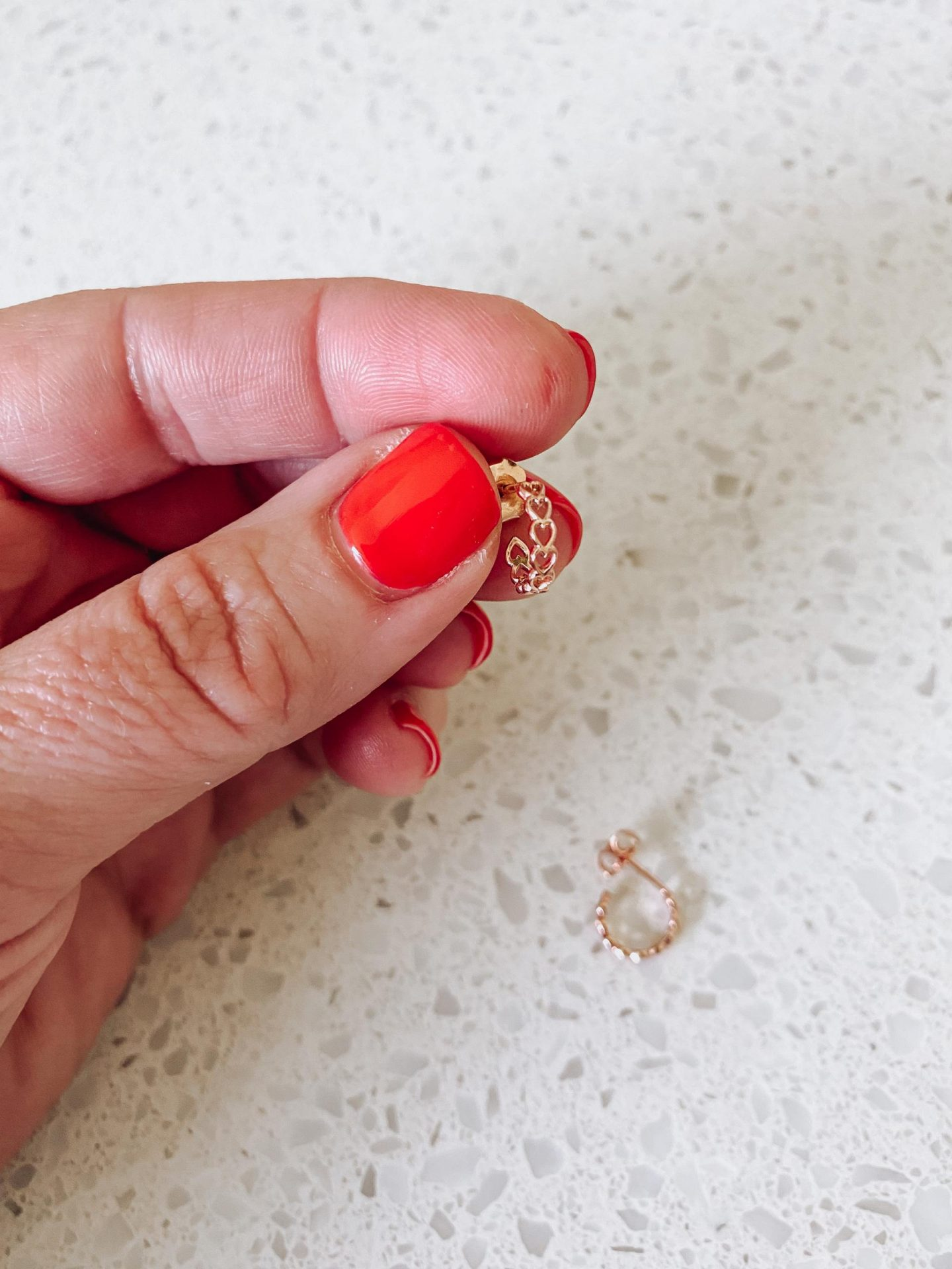 NC blogger Rebecca Lately is sharing her newest jewelry additions, a pair of rose gold huggie earrings and dainty ring from AUrate.
