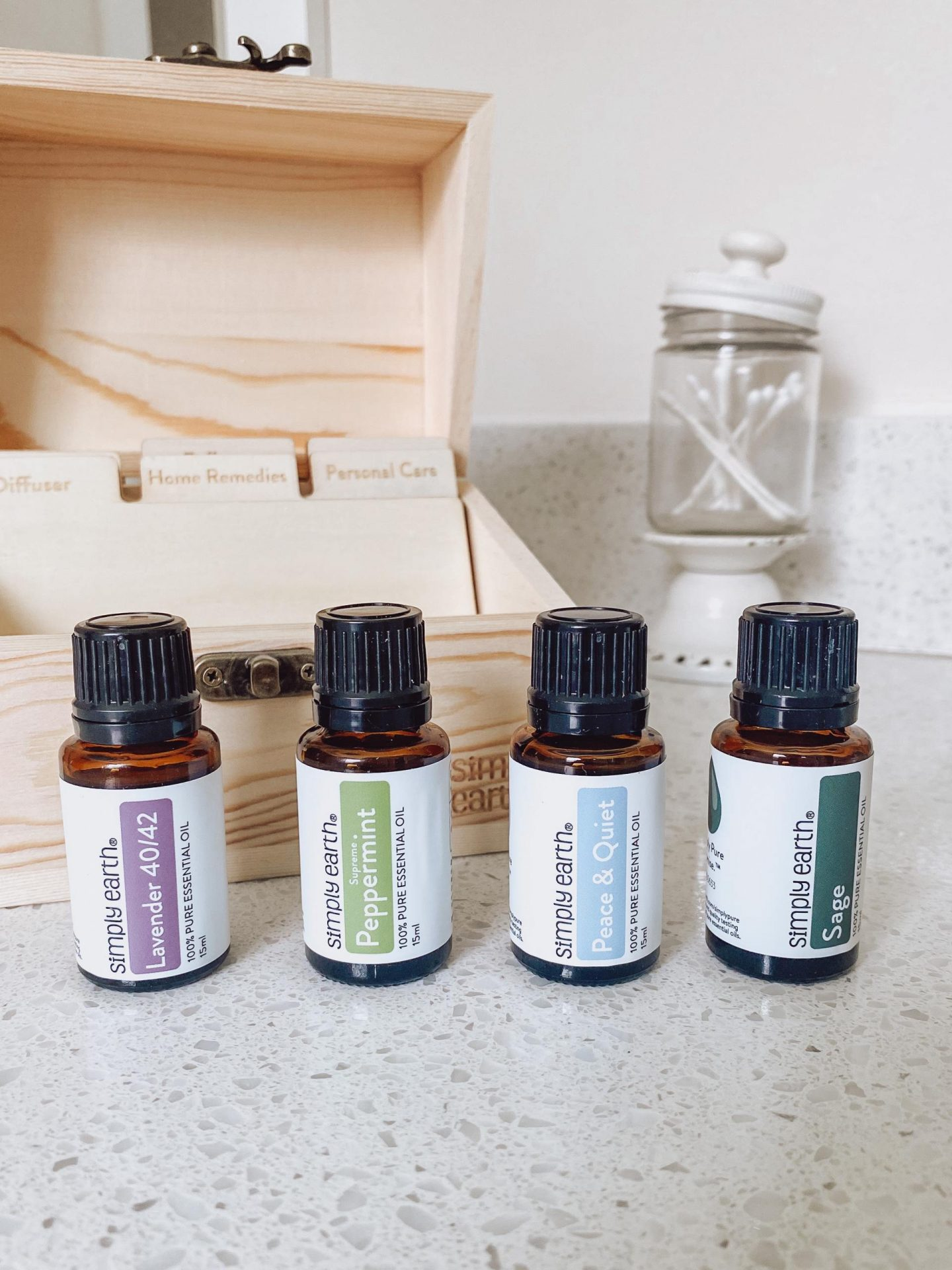 NC blogger Rebecca Lately is sharing her Simply Earth August 2021 box along with a new product from Simply Earth, the recipe box!