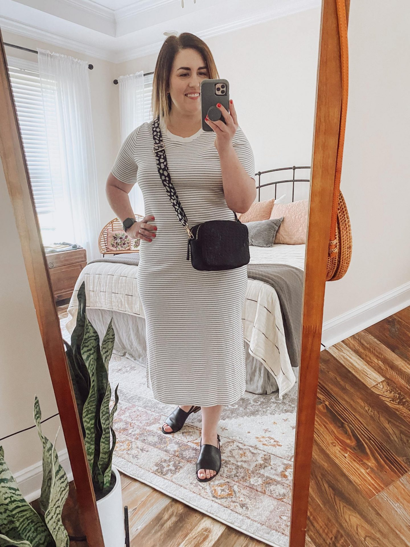 NC blogger Rebecca Lately is sharing her favorite summer bags. You don't need a ton of bags, and these classic styles will last for years!