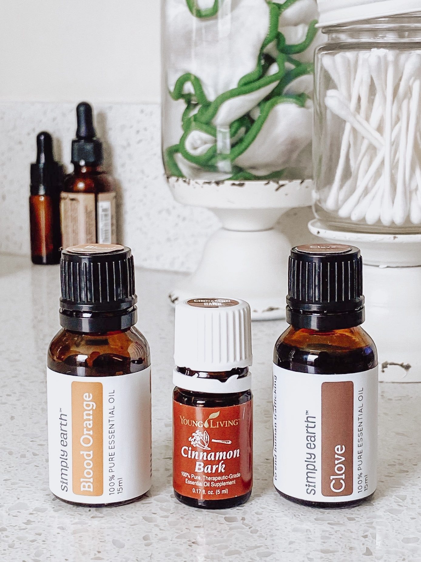 NC blogger Rebecca Lately is sharing her favorite fall essential oil blends, just in time for the start of Fall in September!
